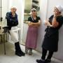13 arte convivio – intanto lo staff lavapiatti aspetta