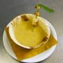16 arte convivio – la zuppa di ceci servita in ciotola in legno di palma