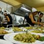 18 arte convivio – lo staff cucina all'opera